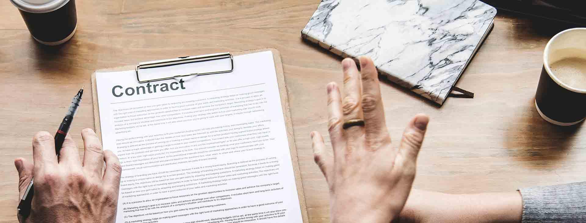 een contract bij een uitgever schrijven
