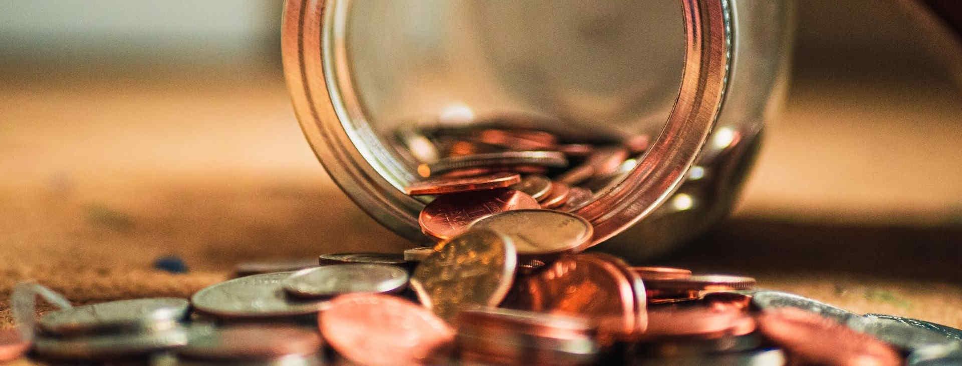 kleingeld in een pot